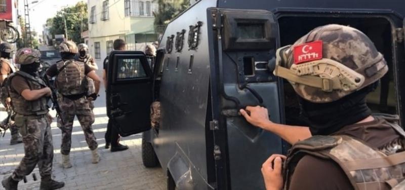 Cizre'de polis aracına saldırıya 8 gözaltı