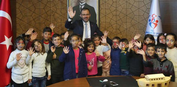 Gençlik ve Spor Bakanı Kasapoğlu, Şırnaklı öğrencilerin hayalini gerçekleştirdi