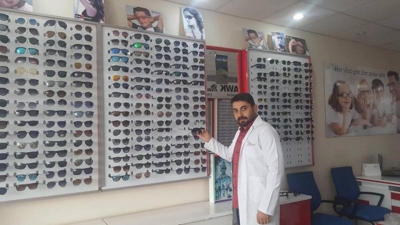 İdil'li Optisyen Murat Baytekin, Vatandaşları Güneş Gözlüğü Kullanımı Konusunda Uyardı