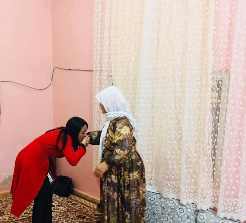 Ak Parti Şırnak İl Kadın Kolları Teşkilatı Ramazan ayında ev ziyaretleri yaparak kadınlar ile bir araya geliyor.