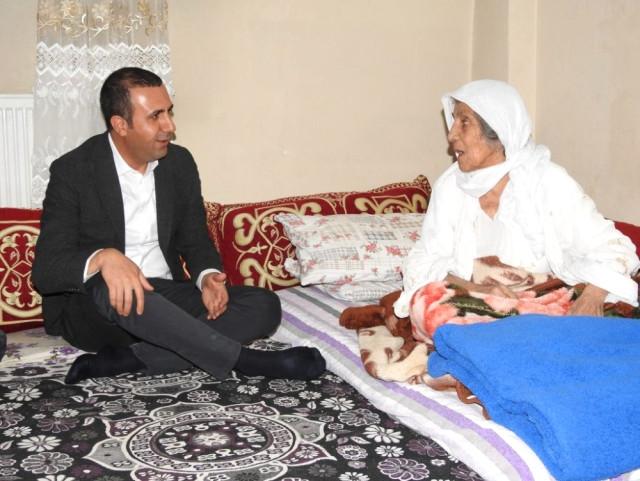 Başkan Bedirhanoğlu, Ev Ziyaretlerinde Vatandaşlarla Bir Araya Geldi