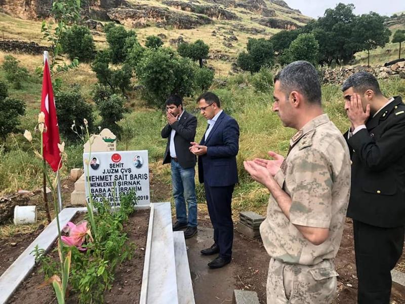 idil Kaymakamı Ve Belediye Başkan Vekili Zafer SAĞ Şehitlerin Kabrini Ziyaret Etti