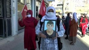 PKK mağduru aileler Şırnak HDP İl Başkanlığı binası önünde eylem yaptı