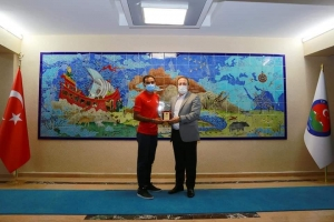 Şırnak Valisi Ali Hamza Pehlivan İdilli Milli Sporcu Abdüsselam İmuk'u kabul etti.