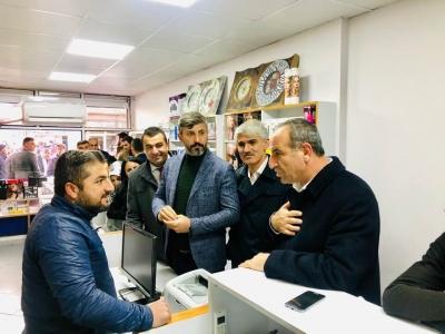 AK Parti idil Belediye Başkan adayı İsmail GENÇ, esnafı ziyaret ederek projelerini anlattı.