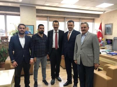 Doğu Batı Ak Kardeşlik Derneği Şırnak il Başkanı Abdurrahman Öngün 23 Haziran yerel Seçimlerinde İstanbulda Büyük kürtçe kampanya ile ile cumhur ittifakı adayı Binali Yıldırımı Destekleyeceklerini Açıkladı.