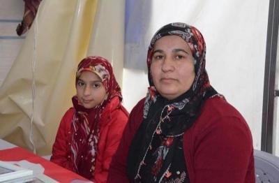 HDP önündeki oturma eylemine idil'li Aile'de katıldı .