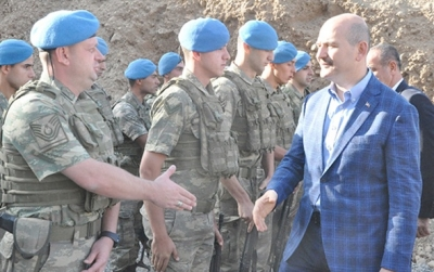 İçişleri Bakanı Süleyman Soylu Bayram Namazını Beytüşşebap'ta kıldı