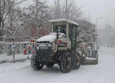 İdil Belediyesi Ekiplerinin Kar Ve Buz Temizliği Kesintisiz Devam Ediyor.