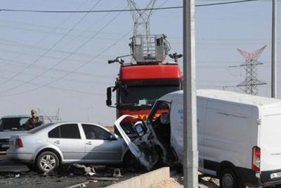 İdil Karayolunda Zincirleme Trafik Kazası: 1 Ölü, 8 Yaralı