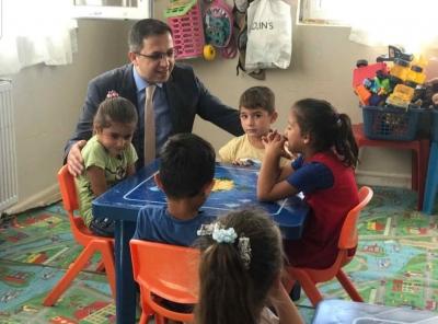 İdil Kaymakamı Zafer SAĞ  Köy Okullarını Gezdi