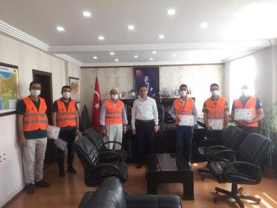 İdil Kaymakamı  Zafer Sağ'dan Vefa Sosyal Destek Grubu ekibine teşekkür belgesi