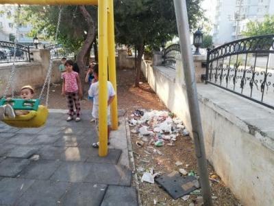 İdil'de Mahalle Ortasındaki Park Alanı Çöplük Alanı Oldu