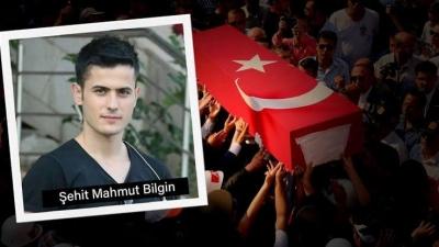 idil'de Şehit Olan özel harekat polisi Mahmut Bilgin kabri başında anıldı.