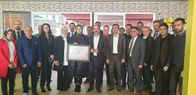 İdil'li Genç avukat Nurhan Yağan Ruhsatını aldı