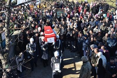 İdil'li Şehit güvenlik korucusu gözyaşları arasında toprağa verildi