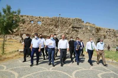 Kültür ve Turizm Bakan Yardımcısı Serdar Çam, Şırnak'ta temaslar gerçekleştirdi.