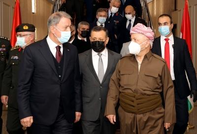 Milli Savunma Bakanı Akar, Barzani ile görüştü