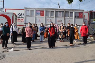 Şırnak AK Parti İl Kadın Kollarından Kızılay Kan Bağışına Destek