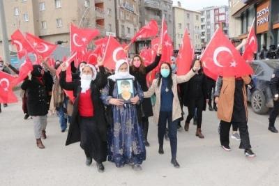 Şırnaklı kadınların HDP önündeki eyleminde 22'nci hafta; 'Neden oğlumu götürdüler.