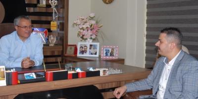 Vali Deniz, gazetemizi kutladı