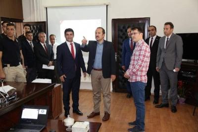 Valimiz Ali Hamza Pehlivan İl Milli Eğitim Müdürlüğü'nde Birim Müdürleri ile Toplantı Gerçekleştirdi.