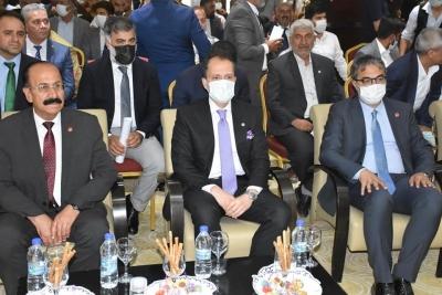 Yeniden Refah Partisi Genel Başkanı Erbakan, partisinin Şırnak İl Kongresi'ne katıldı